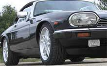jaguar xjs black 3 quarters view