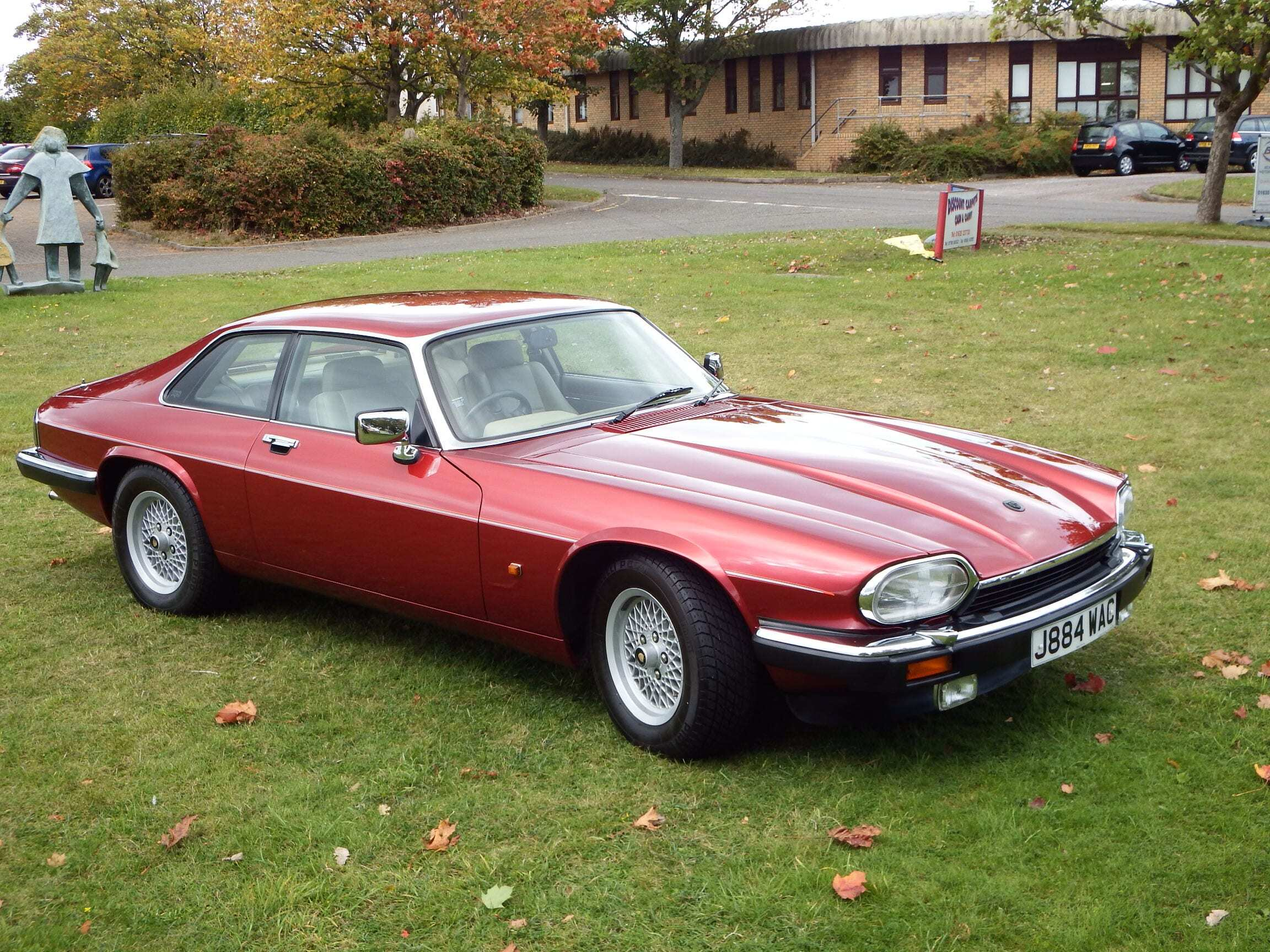 Jaguar Xjs The Ultimate Grand Tourer Xjs Amp Xj From Kwe