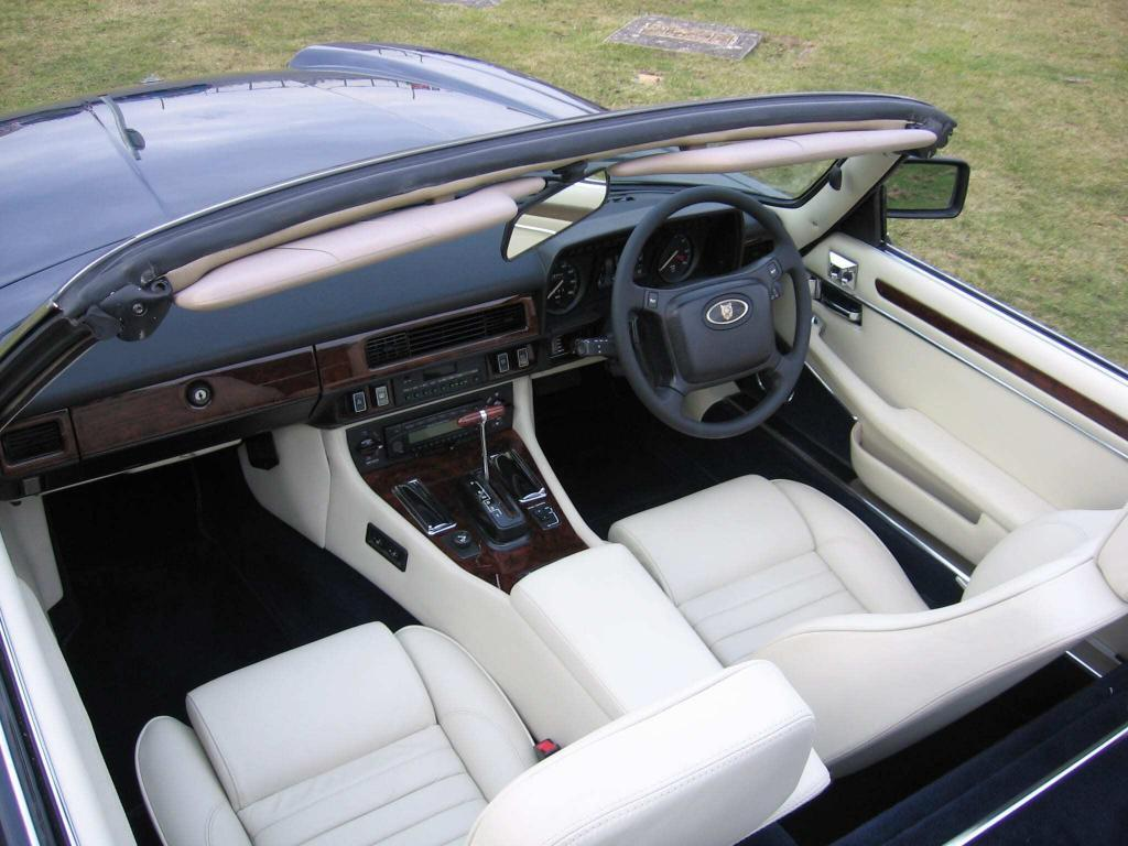 KWE Jaguar XJS classic car restoration check vehicle interior